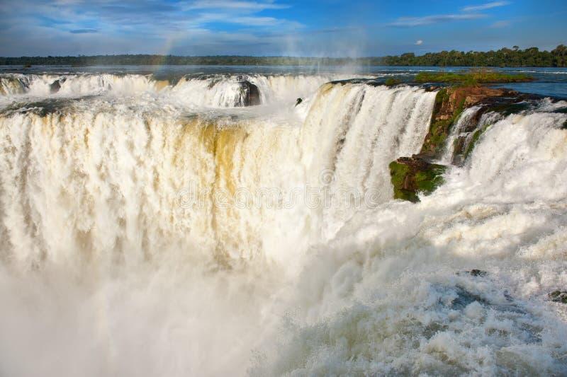 Iguazudalingen. Mening van de Argentijnse kant. stock foto