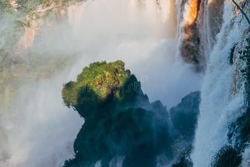 Iguazudalingen van de Provincie van Argentini? Misiones royalty-vrije stock afbeelding