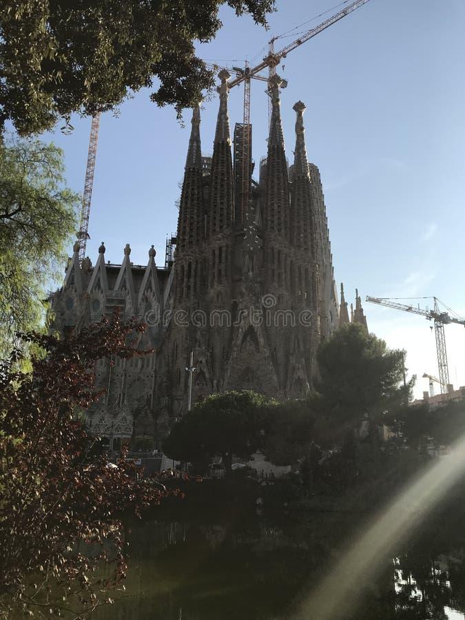ihre Reflexionen Barcelona, Sagrada de Familia stockbilder