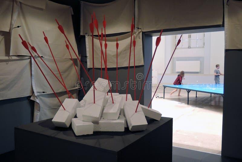 II straatkunst biennale ArtMosSphere in Moskou stock afbeelding