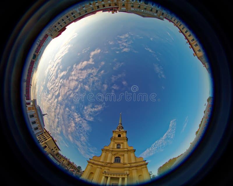 Iin Питер собора Питера и Пола и крепость Пола Удите линзы окуляра создавая круговой супер широкоформатный взгляд стоковое изображение rf