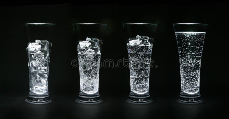 Ijs-water royalty-vrije stock foto's