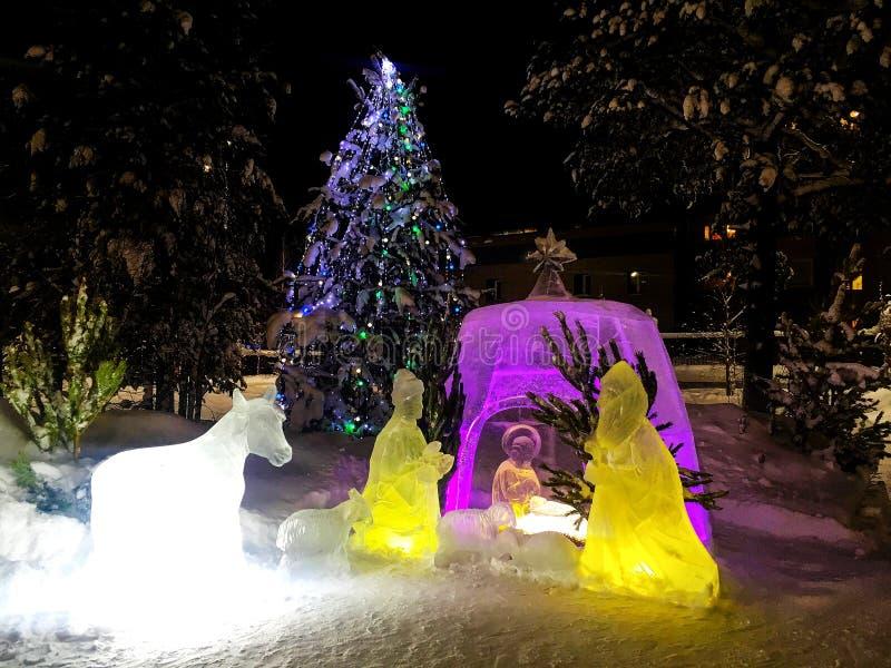 Ijsbeeldhouwwerk van de geboorte van Jesus-Christus stock afbeeldingen