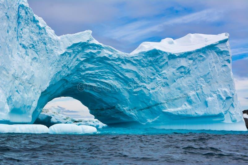 Ijsberg in Antarctica royalty-vrije stock afbeeldingen