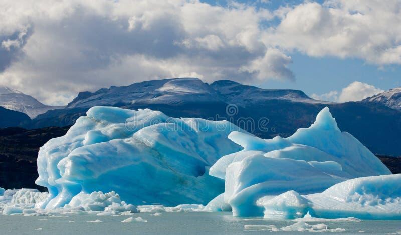 Ijsbergen in het water, de gletsjer Perito Moreno argentinië stock afbeelding