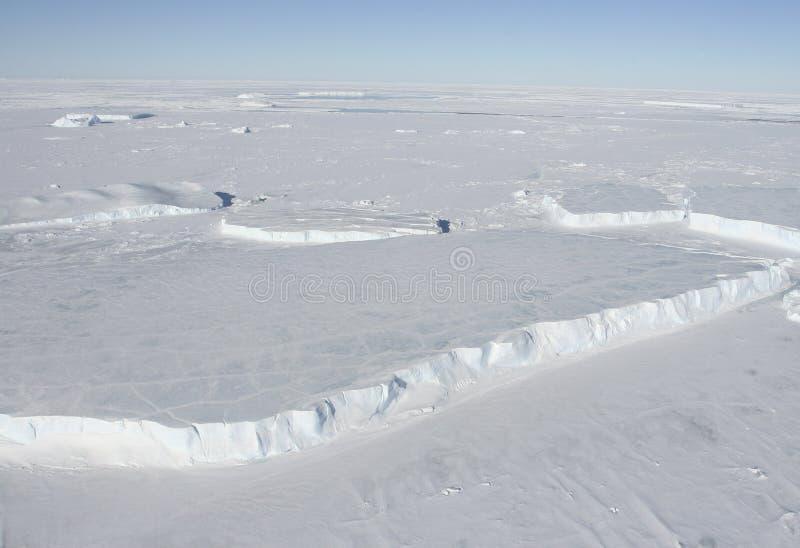 Ijsbergen in tabelvorm stock afbeelding