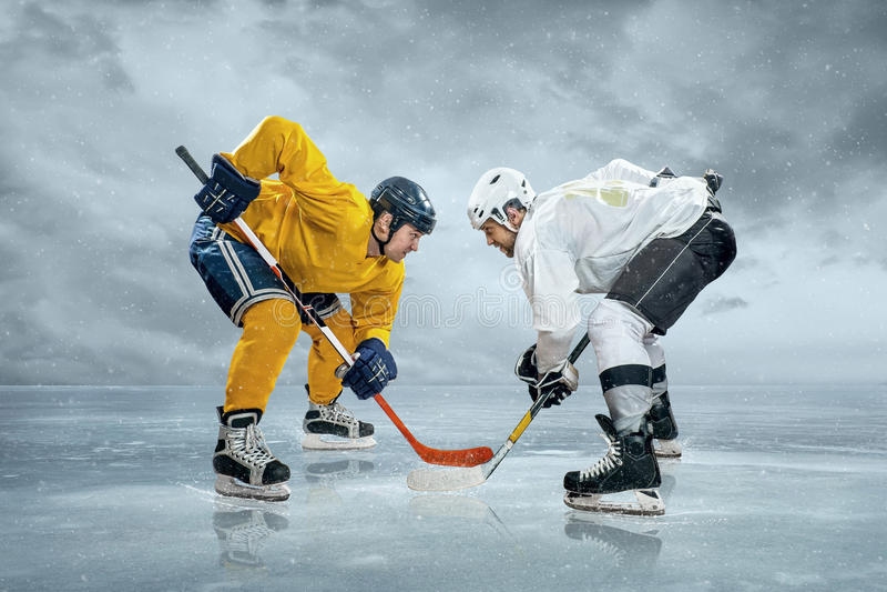 Ijshockeyspelers royalty-vrije stock afbeelding