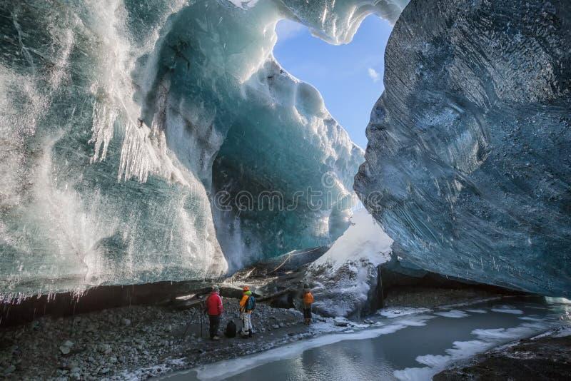 Ijshol in Vatnajokull, IJsland stock afbeeldingen