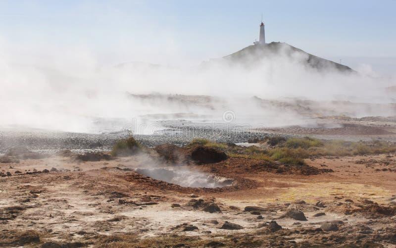 IJsland. Reykjanesschiereiland. Gunnuhver geothermisch gebied. Het koken stock afbeelding