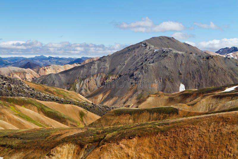 Ijslands berglandschap Kleurrijke vulkanische bergen in het geotermal gebied van Landmannalaugar royalty-vrije stock afbeelding