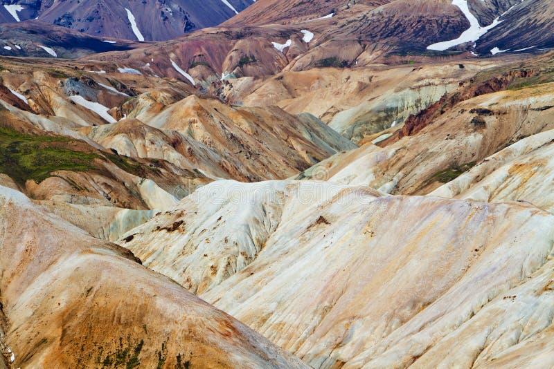 Ijslands berglandschap Kleurrijke vulkanische bergen in het geotermal gebied van Landmannalaugar royalty-vrije stock fotografie