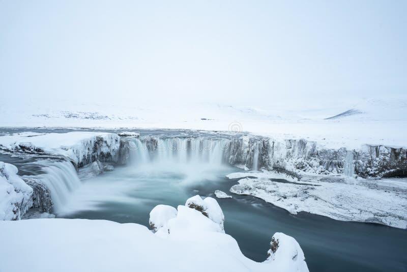 Ijslandse Godafoss in de winter stock foto
