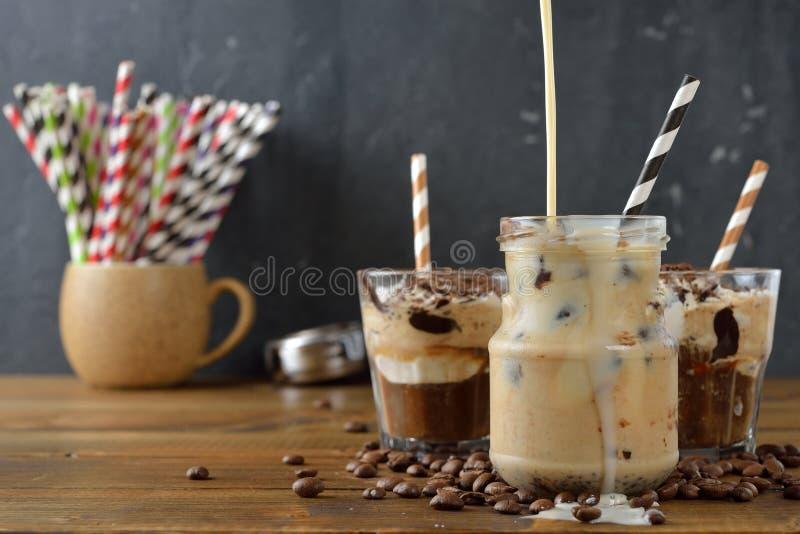 Ijsmelk met koffie stock foto
