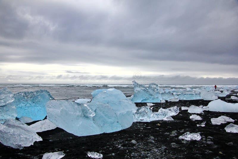 Ijsrotsen op Diamantstrand in IJsland royalty-vrije stock foto's