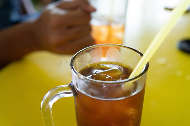 Ijsthee een soort drank met authentieke aroma en smaak stock foto's