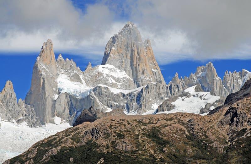 Ijzig berglandschap in Patagonië stock afbeeldingen