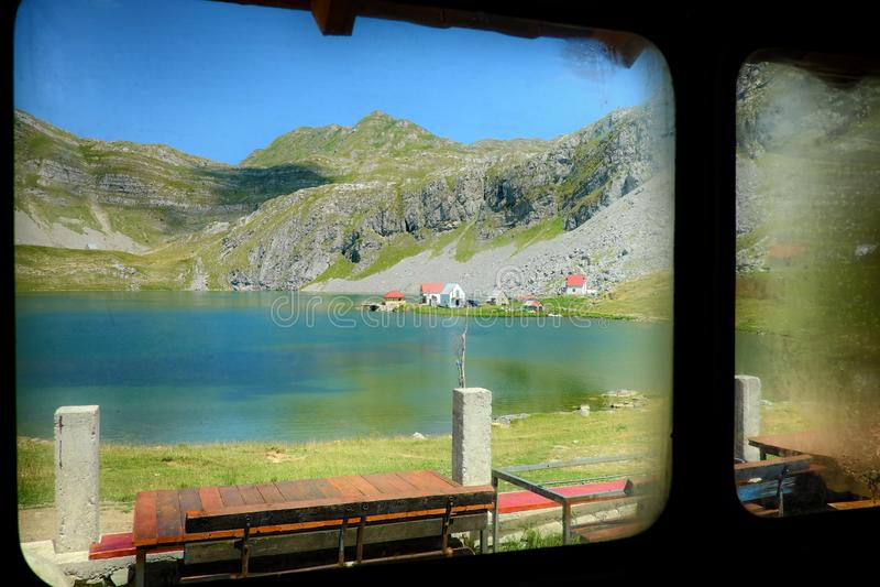 Ijzig Meer in Bergen van Montenegro stock fotografie