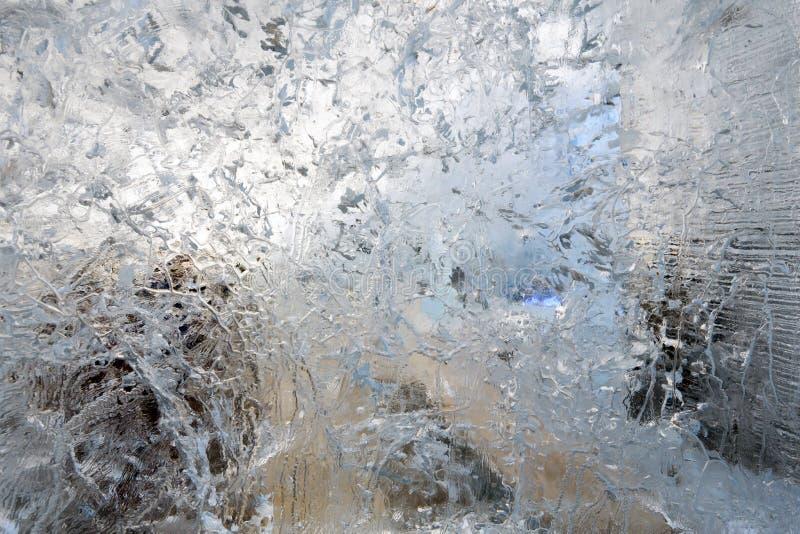 Ijzig transparant blok van ijs met patronen royalty-vrije stock afbeeldingen
