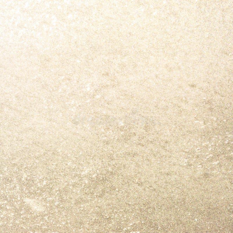 Ijzig vensterglas bij zonsondergang De gouden Achtergrond van de Winter royalty-vrije stock foto