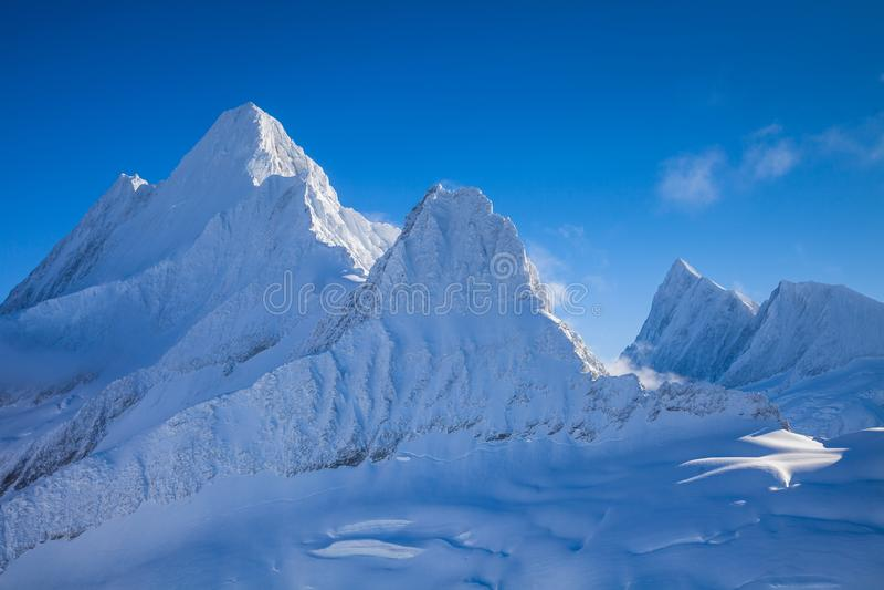 Ijzige pieken van Zwitserse Alpen royalty-vrije stock fotografie