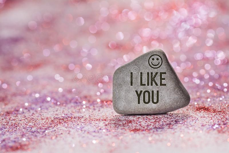 Ik houd van u graveer op steen stock afbeeldingen