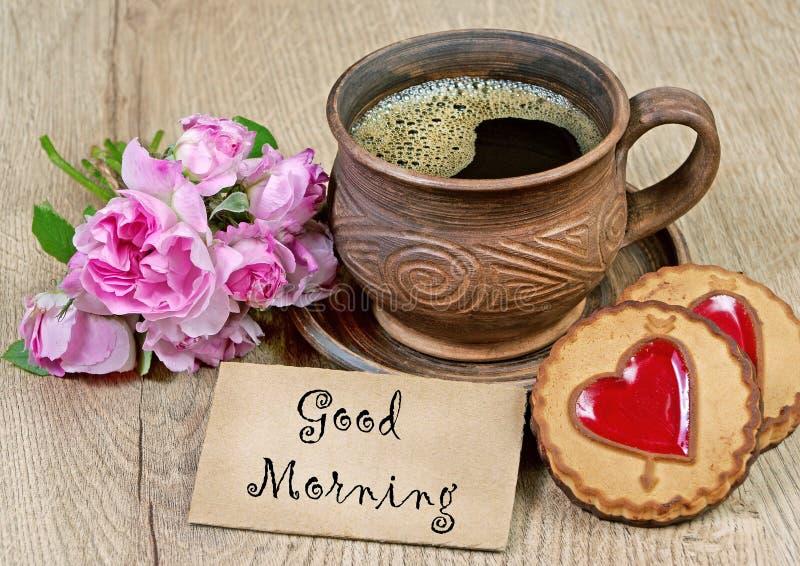 Ik houd van u ochtendkoffie en koekjes met een hart Gelukwensen op de Dag van Valentine ` s stock afbeeldingen
