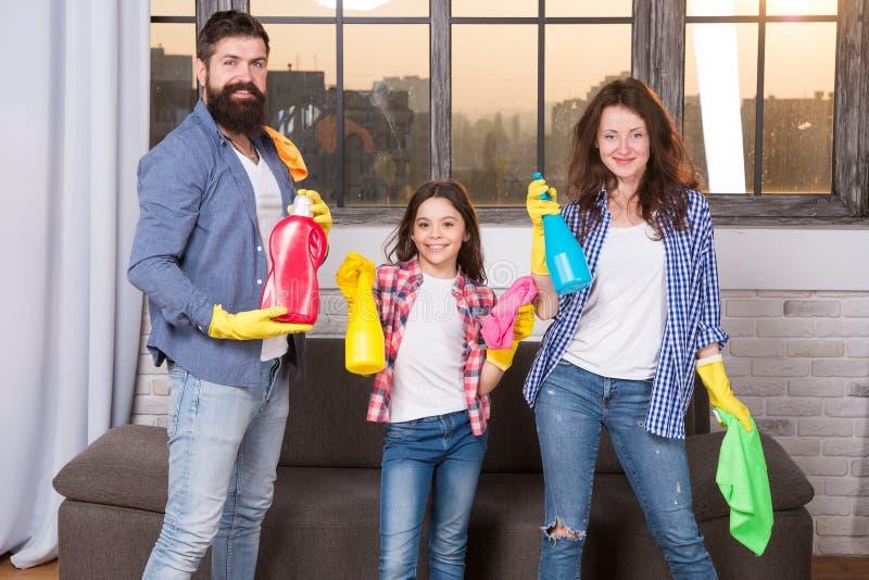 Ik kan dat totaal maken Enkel als huis De professionele dienst Familie schoon huis De gelukkige schoonmakende producten van de fa royalty-vrije stock afbeeldingen