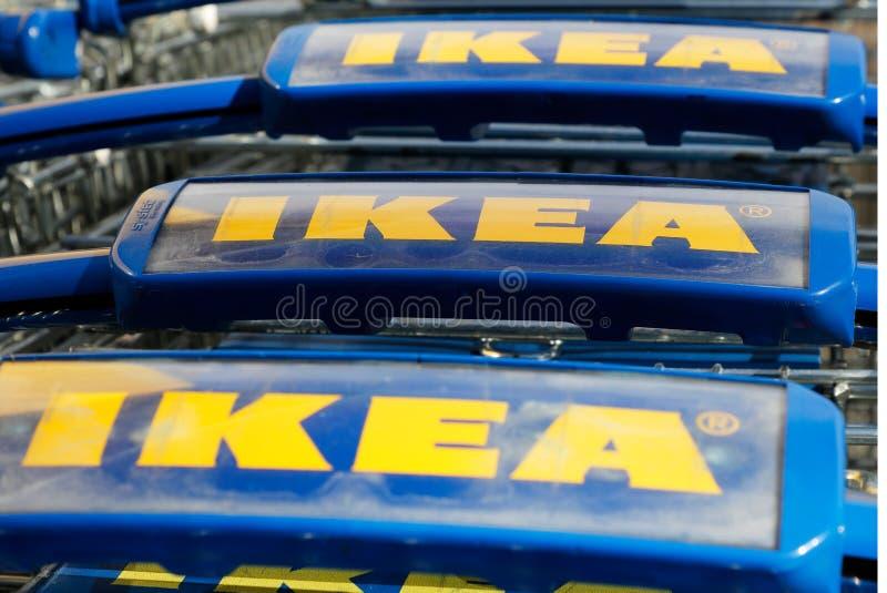 Ikea-boodschappenwagentjes royalty-vrije stock foto's