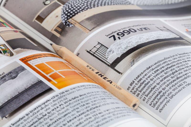 Ikea disegnano a matita e la lista di acquisto immagine for Ikea disegna