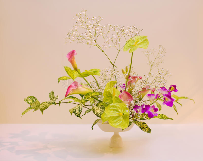 Ikebana ρύθμιση λουλουδιών στοκ φωτογραφία