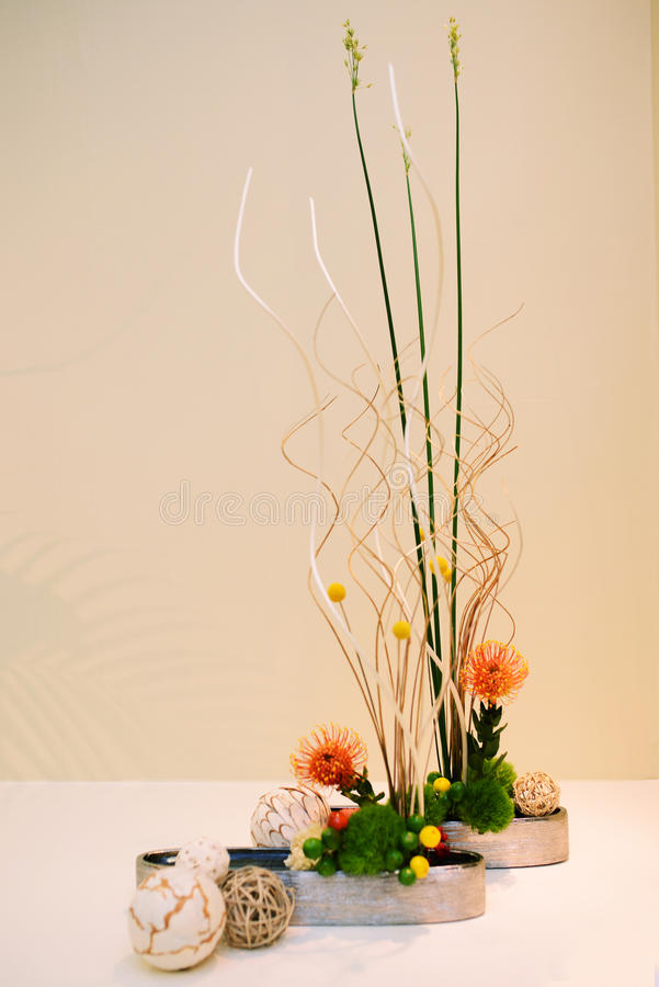 Ikebana centro de flores imagen de archivo