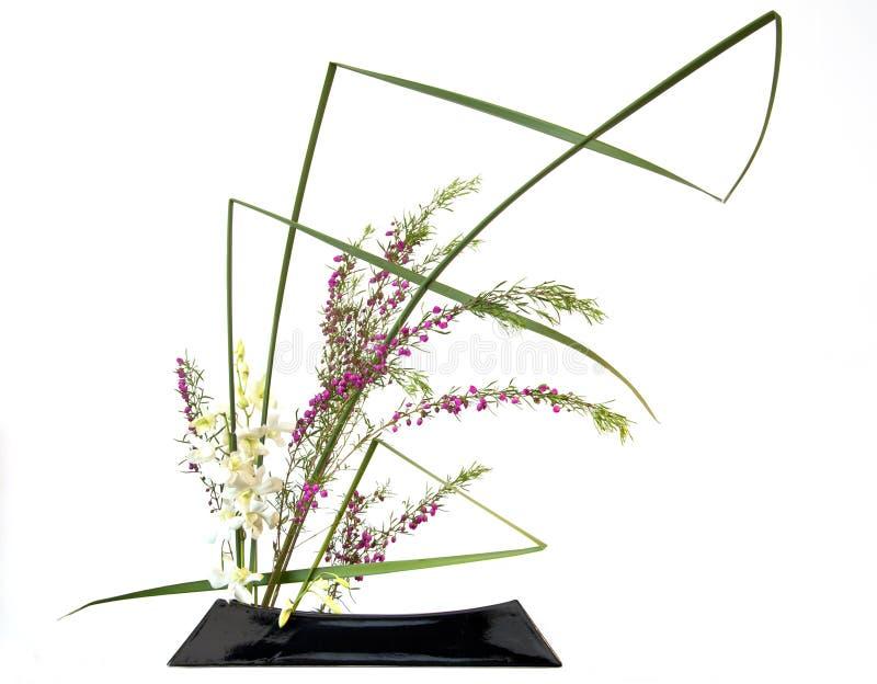 Ikebana del centro de flores del estilo japonés imagenes de archivo