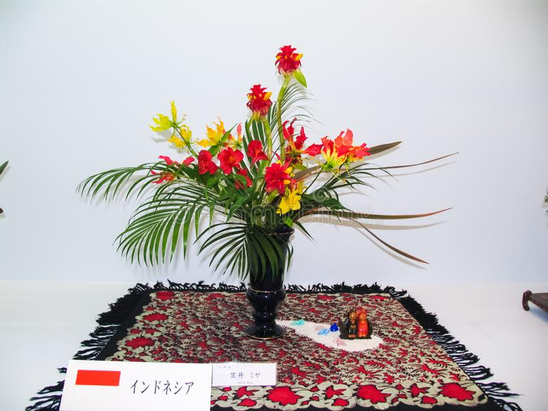 Ikebana Dvärg- träd i krukor royaltyfri foto