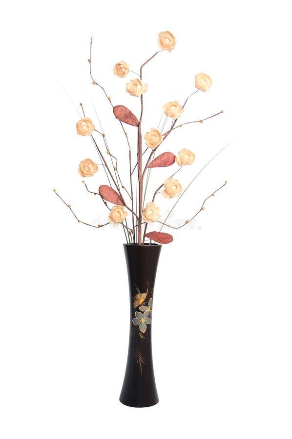 Ikebana ha impostato in vaso di legno. fotografie stock