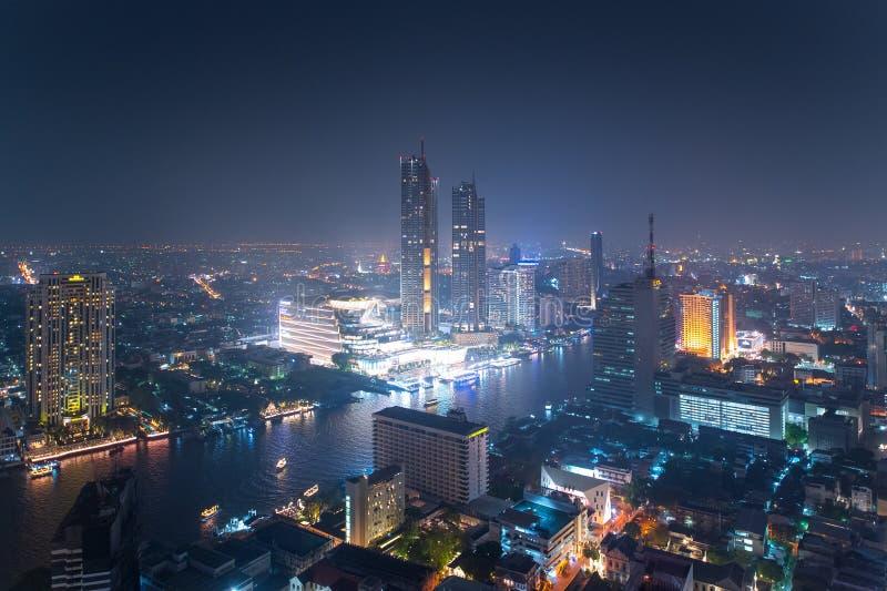 Ikonen-Siam-Kaufhaus an Chao Phraya River-Seite lizenzfreie stockfotografie