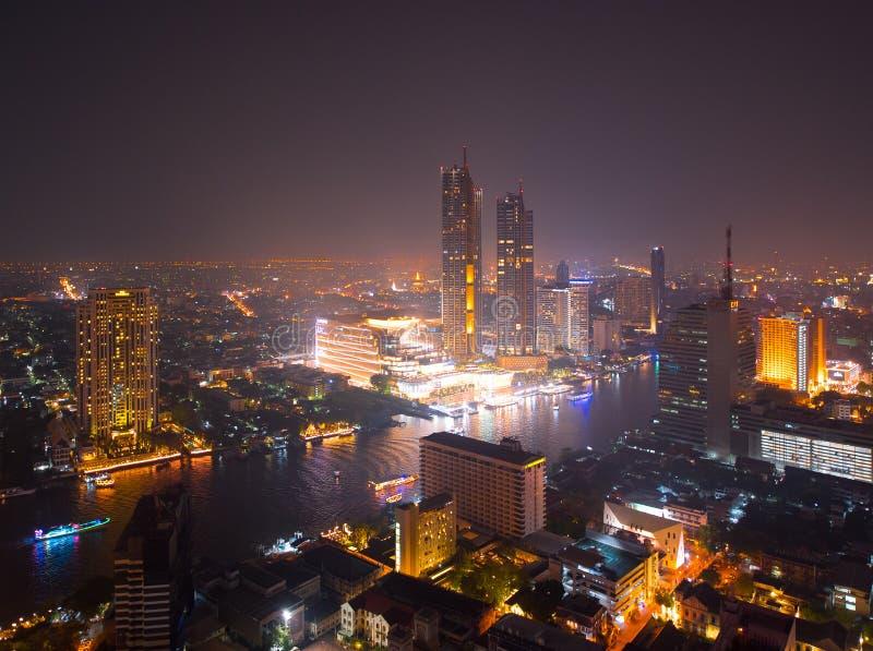Ikonen-Siam-Kaufhaus an Chao Phraya River-Seite stockbilder
