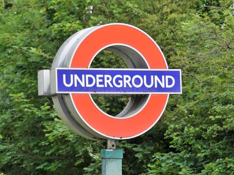Ikonenhaftes London-Untertage-roundel Zeichen lizenzfreies stockbild