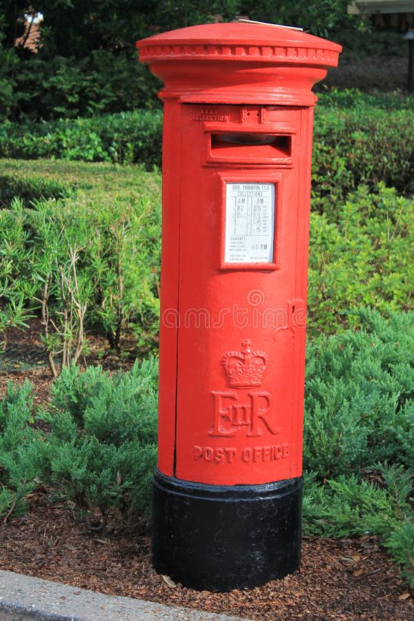 Ikonowa Brytyjska Czerwona skrzynka pocztowa zdjęcie stock