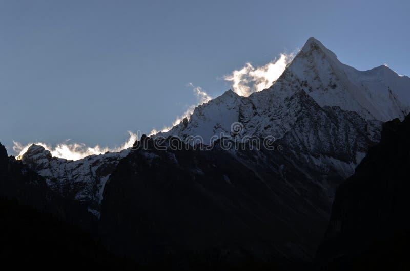 Ikonowy śnieżny halny szczyt Yading Krajowa rezerwa, Shangri los angeles, Sichuan, Chiny zdjęcie stock