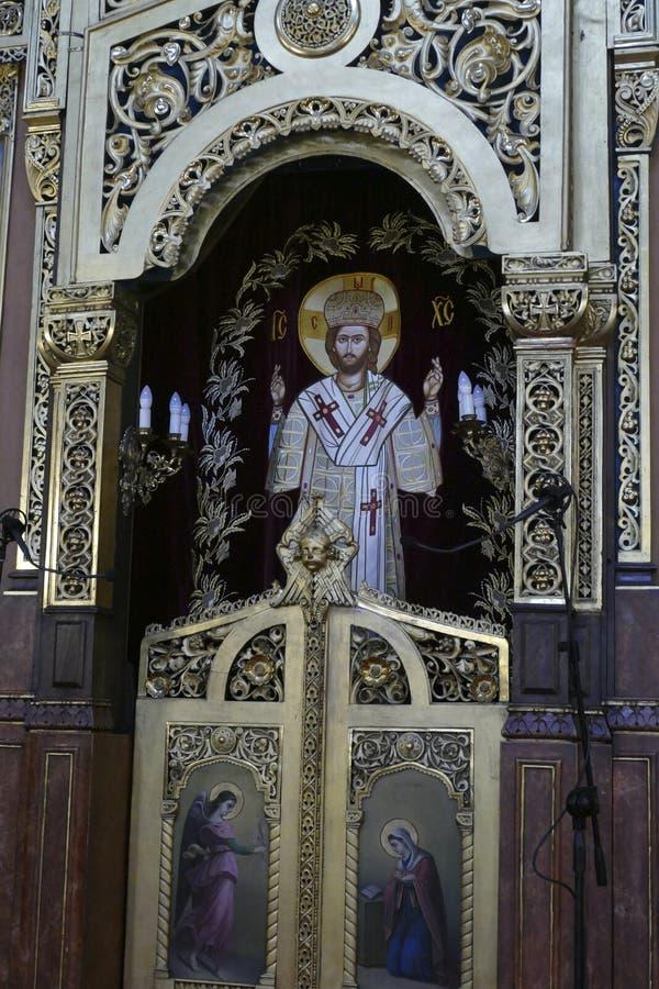 Ikony na Iconostasis który oddziela nave od apsydy obrazy royalty free