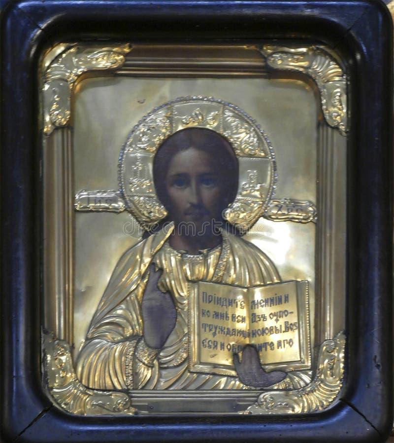 Ikony na Iconostasis który oddziela nave od apsydy obraz stock