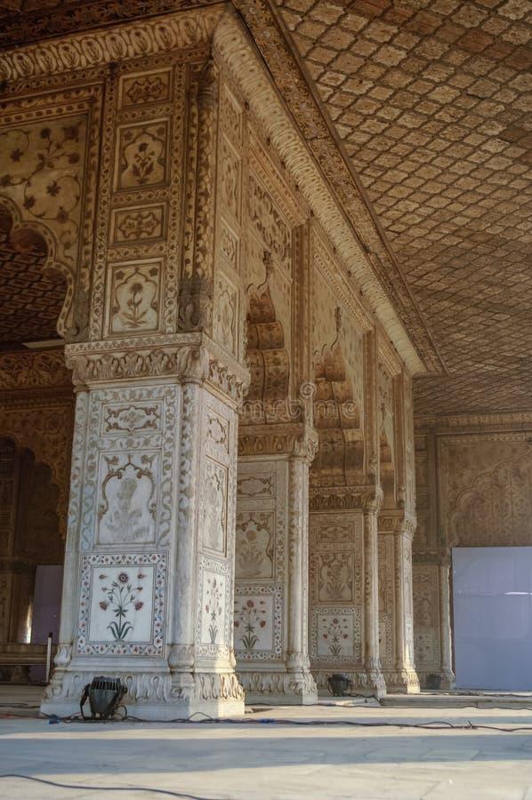Ikrustowany marmur, kolumny i łuki, Hall Intymna widownia lub d obrazy royalty free