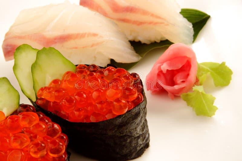 Ikura et sushi de brème images stock