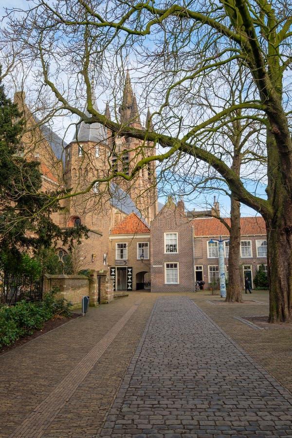Il Agathaplein accanto al Prinsenhof a Delft, Paesi Bassi immagine stock libera da diritti