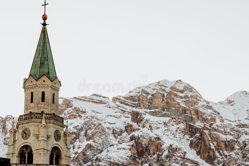 Il ` Ampezzo di Ski Resort Cortina D nelle dolomia nell'inverno fotografia stock libera da diritti