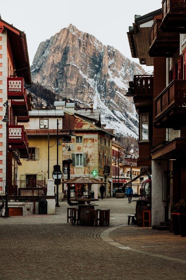 Il ` Ampezzo di Ski Resort Cortina D nelle dolomia nell'inverno fotografie stock