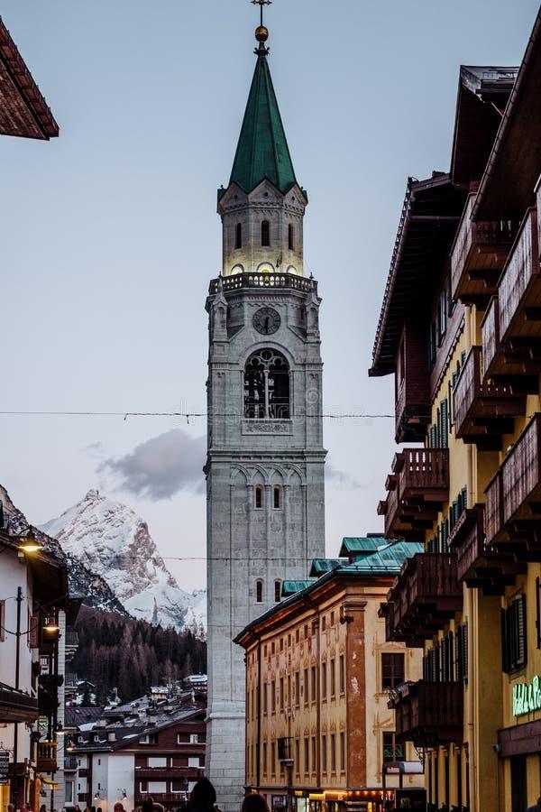 Il ` Ampezzo di Ski Resort Cortina D nelle dolomia nell'inverno immagini stock