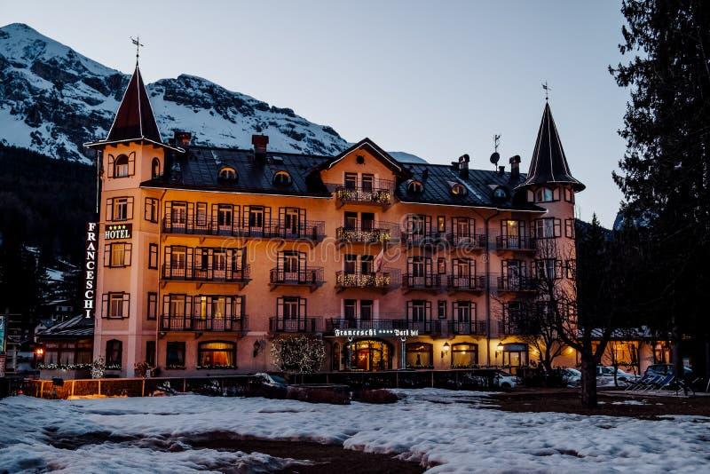Il ` Ampezzo di Ski Resort Cortina D nelle dolomia nell'inverno immagine stock libera da diritti