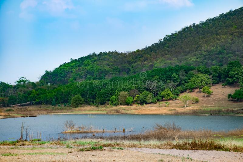 Il bacino idrico nell'area arida immagini stock libere da diritti