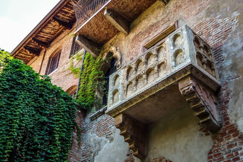 Il balcone famoso di Romeo e di Juliet a Verona immagini stock libere da diritti